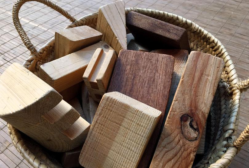 Volem oferir experiències amb materials que provenen de la natura